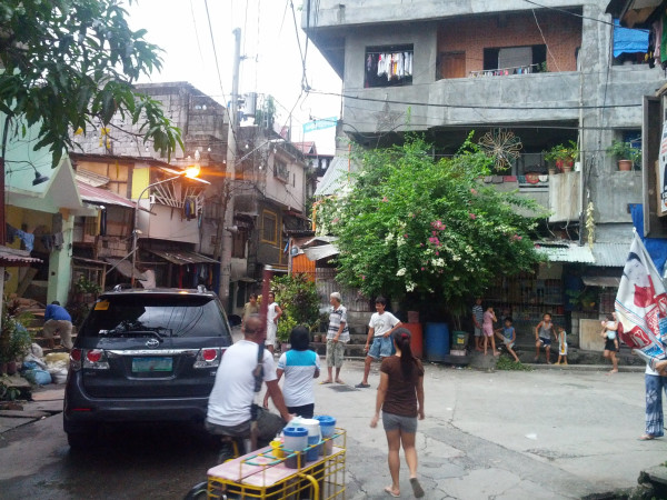 A few blocks away from our cousin's home...very different living conditions than what we have in the Philippines.