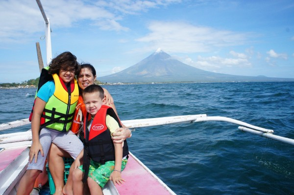 And while we were suppose to be looking for whale sharks, we couldn't help but enjoy the view of the volcano