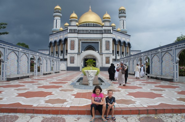 We also got to tour around the Mosque that the current Sultan had built. It caught me a bit off guard when the men wouldn't even acknowledge me or the kids while there
