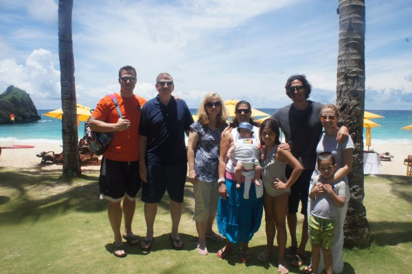 The whole Farley gang that went to Boracay!
