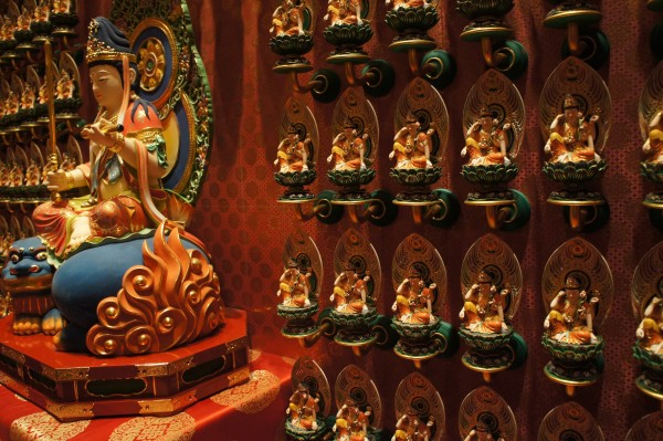 We visited the Buddha Tooth Relic Temple