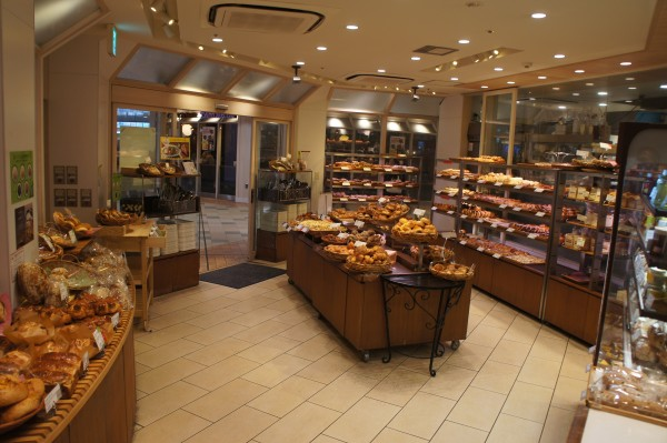 And since we took the train, we got to see all of the stores that are underground near the subway and train stations. Japanese bakery is very tasty with a wide variety.