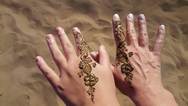 Mom & daughter henna.