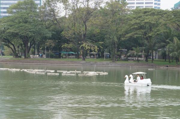 Kalani and Felicia on the paddle boat at Lumpini Park
