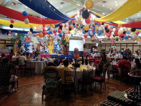 """The set-up was amazing and you still can't see everything that they had in this photo.  We were told that this was an """"average"""" party for a 1 year old!"""