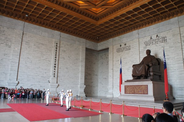 We were able to watch the changing of the guards in front of the Chiang Kai-shek statue