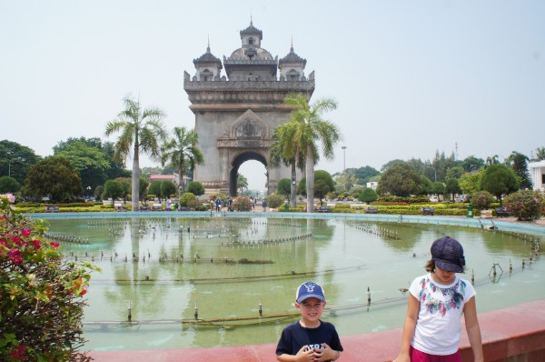 The Patuxai is dedicated to those who fought in the struggle for independence from France...and is very similar to the Arch de Triomphe in France, although this one in Laos has shops inside.