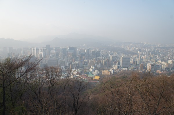 To end the day we went to the Seoul Tower and looked out over the city.